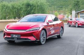 1年销量破10万!这25级中国车都卖爆了 真越贵越多人买?