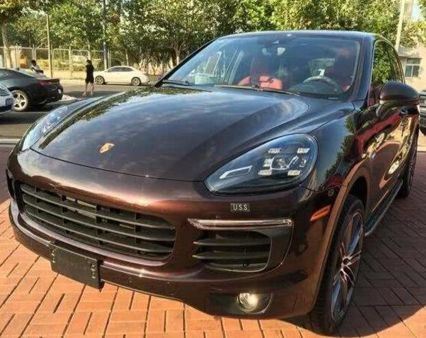 娱乐圈当红女明星座驾:赵丽颖,迪丽热巴的座驾,都输给她的豪车