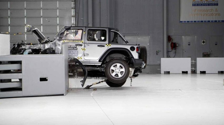 jeep-wrangler-jl-crash-test (1).jpg