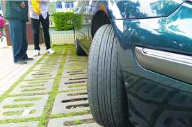 停车后方向盘不回正会毁车,真相还是谣言?原来很多人都理解错了
