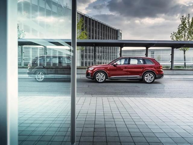 奥迪Q7换新上市,这才是你心中的旗舰豪华SUV