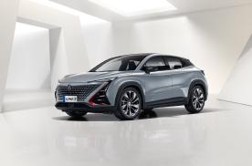 国产颜值巅峰大PK,4款15万以内SUV,哪个最诱人?