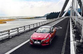 新时代日系B级车对比评测 2021款日产天籁VS丰田凯美瑞