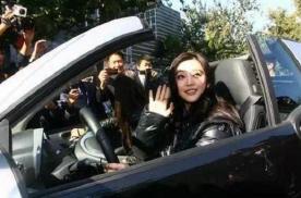 范冰冰、李冰冰、刘亦菲座驾,都不如50岁她的座驾