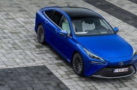 丰田新一代氢能汽车Mirai上市 售价折合54.1万元