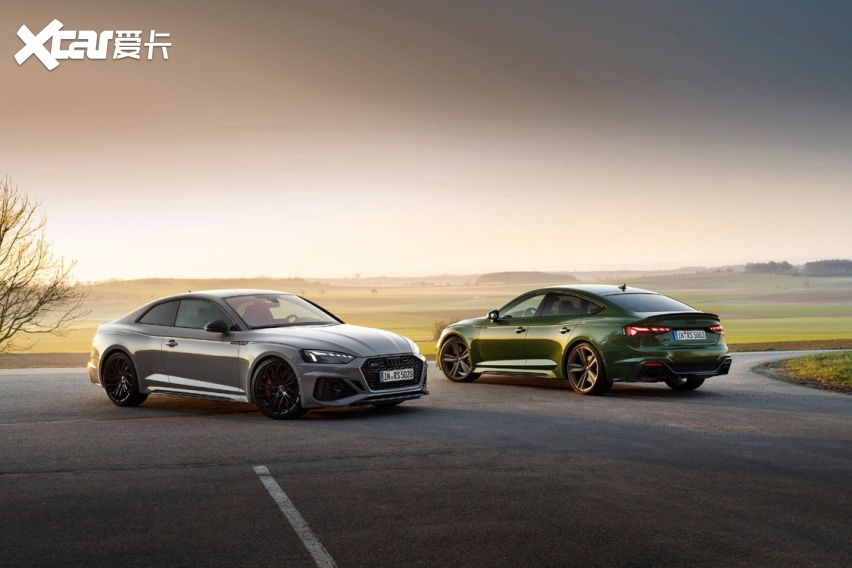 依旧提供双门轿跑车和四门轿跑车供客户选择