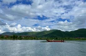 跟着艾哥自驾游云南⑦|烟雨风情,揭开泸沽湖的神秘面纱