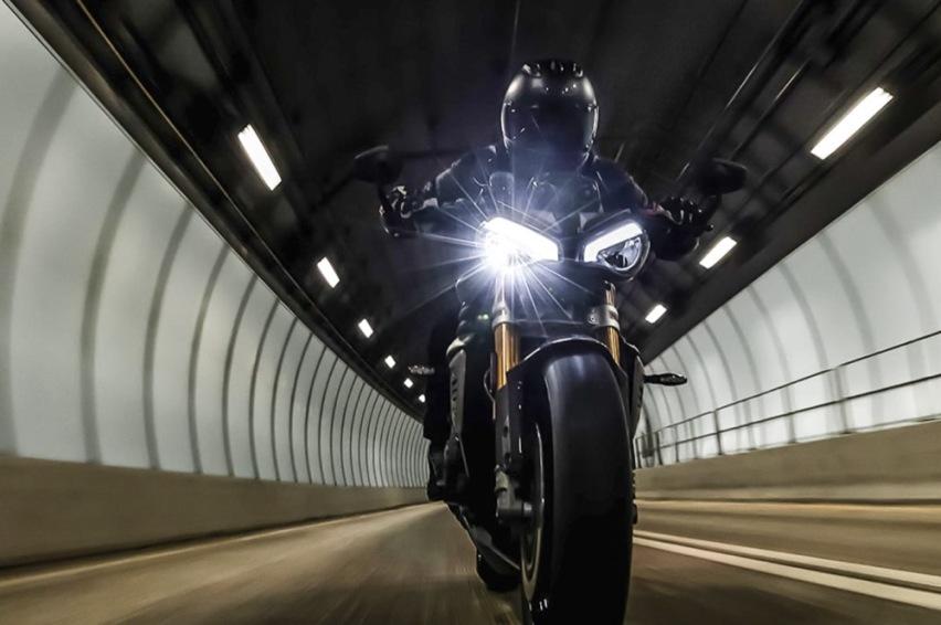 凯旋摩托将推新款街车1200RS,家族外观排量升级,配置更强-爱卡汽车爱咖号