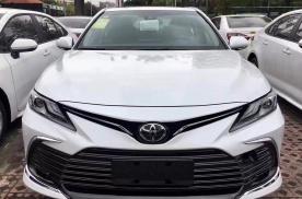 到店实拍2021款丰田凯美瑞,这次改款变得更值了?