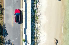 这才是天海应有的颜色!蔚来ES6打卡网红海滨村落