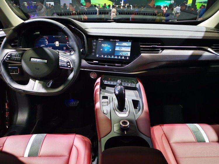 没有抄袭的轿跑SUV  哈弗F7x亮相上海车展