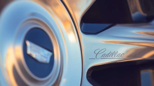 2021款凯雷德油耗公布,6.2L V8综合油耗14.7L,同级中它并不费油