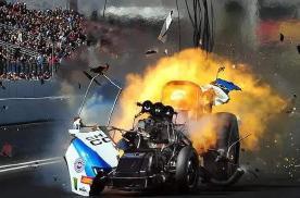"""经常地板油开车很伤发动机?还能""""爆缸""""?"""