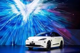 极狐阿尔法S上市,华为HI版上演城市无人驾控,将亮相上海车展