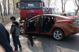 新车刚开几个月就被撞,对方全责可以要折旧费吗?老司机都这么做