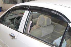 汽车车窗雨眉究竟该不该装?它是必需品吗?