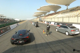 F4W直线竞速赛 - 迈凯伦720S vs 奥迪RS3