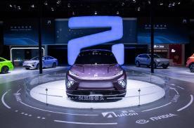 """盘点上海车展最具创新的展台设计  R汽车""""想象魔盒""""榜上有名"""