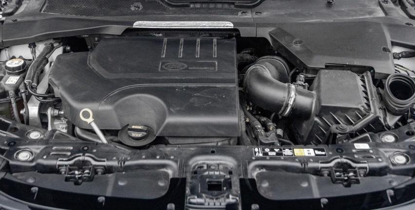 这款入门的路虎,改变了全地球的SUV!揽胜极光究竟怎么样?