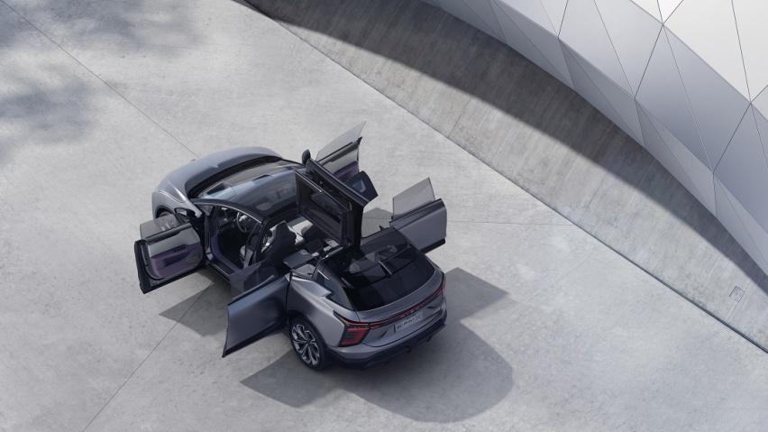 《【华宇在线注册】颠覆想象 突破国产豪华天花板 高合HiPhi X展现智能汽车硬核实力》