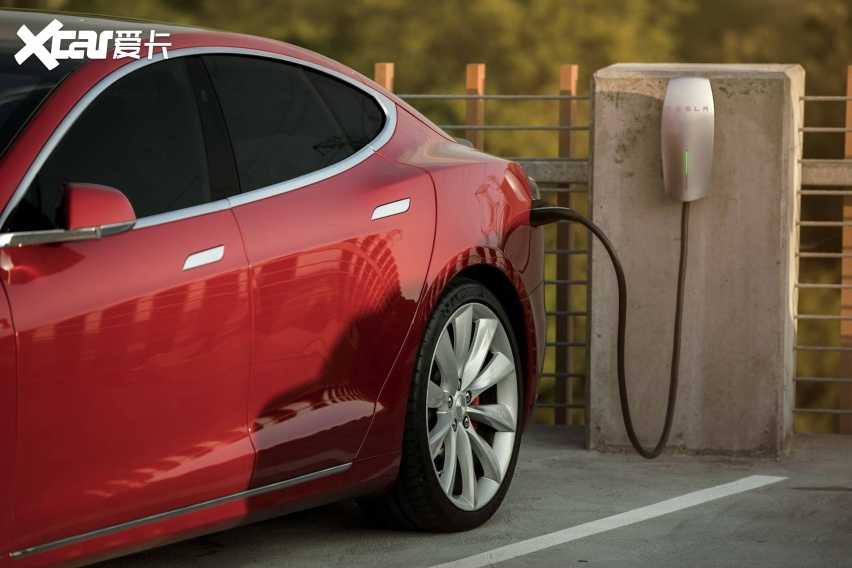 Tesla-Battery-Report-01.jpg