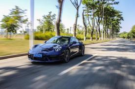 车评:保时捷911 Carrera 4S——跑车也能成为抢手