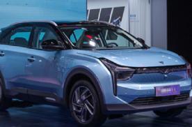 哪吒U上市,对标小鹏G3、威马EX5,三款纯电动SUV,该选