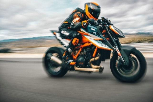 19.87萬!KTM 1290超級公爵RR發布 限量500台