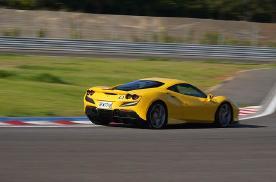 三款法拉利新车,一天的赛道体验会是如何?