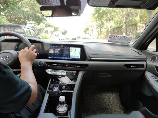 座椅舒适、配置丰富,试驾第十代索纳塔1.5T车型