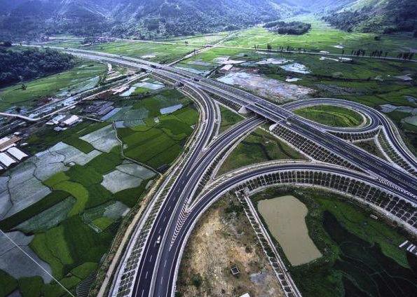 全国创收最高的高速,一年创收2500万元,12.5万位车主中招!