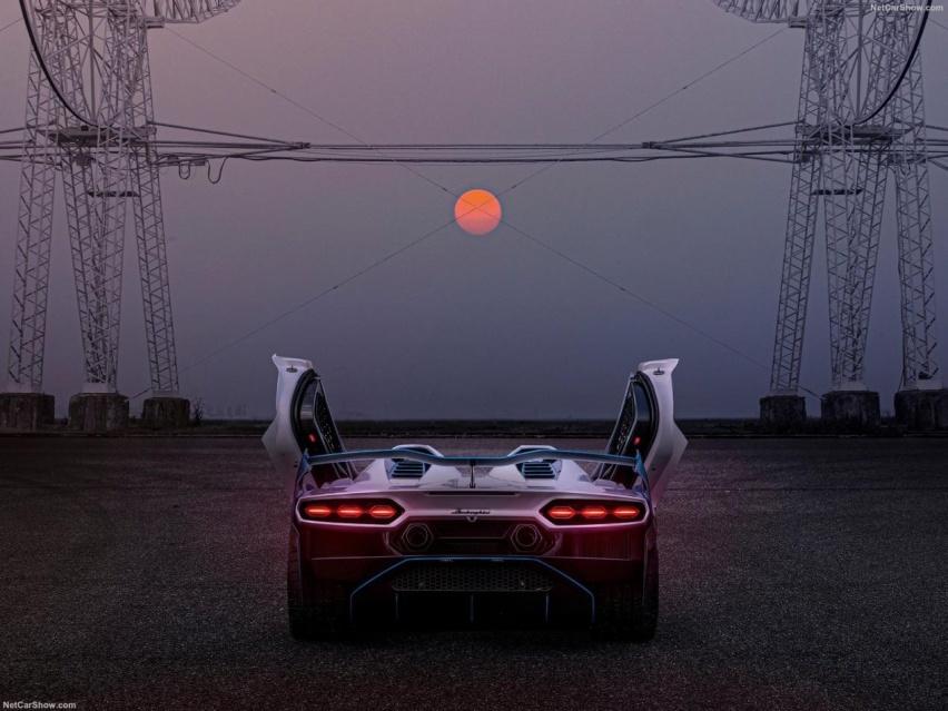 兰博基尼SC20对比阿斯顿马丁V12,中国玩车第一人私人订制