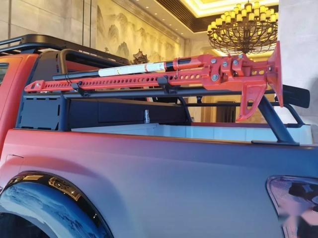 冰雪「坦克」养成记!五十铃D-MAX另类极限改装