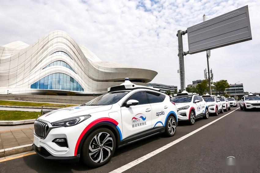 深耕智能汽车领域八年后 百度正式下场造车