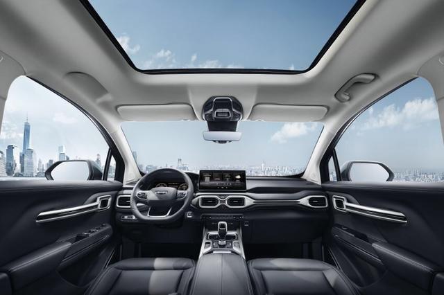 吉利中型SUV豪越正式亮相 产品线进一步完善
