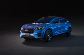 Mustang纯电版对比极氪001,30万买哪款纯电车更好?