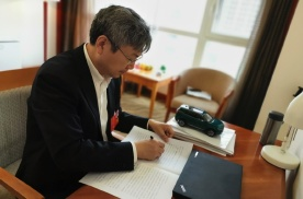 尹同跃:取消NEV正积分结转限制 加快新能源汽车产业发展