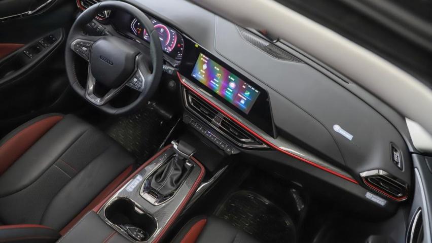 十万区间最快SUV?诚意满满的归来之作,静态体验长安欧尚X5
