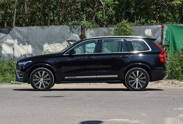 沃尔沃旗舰SUV,与宝马X5同级,新款直降13万,310马力+400牛米