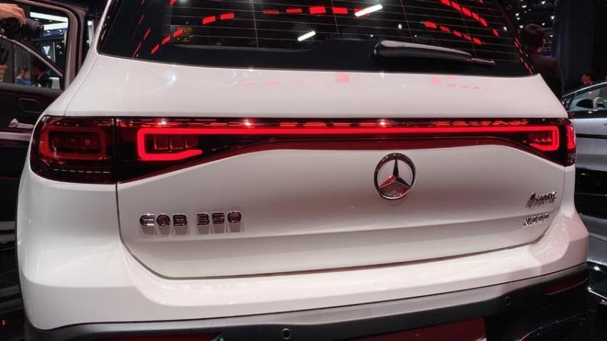 最大续航500公里,奔驰EQB上海车展前首发亮相