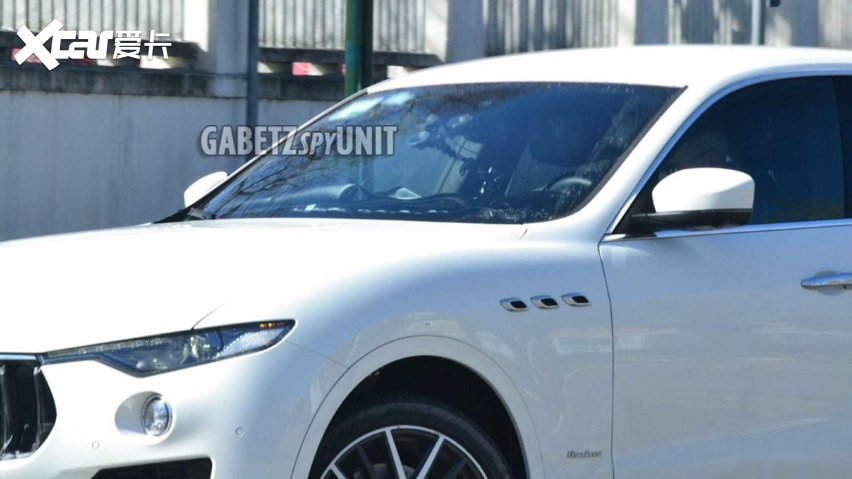 maserati-levante-facelift-spy-shots (1).jpg