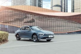 比A级车体面比B级车实惠 名图纯电动的错位竞争法则