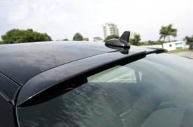 """为什么后挡风玻璃有很多""""横线""""?老司机:作用很大,新手搞清楚"""