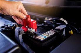 汽车电瓶可不能随便断开,不然容易出现这些故障
