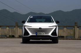 老司机初试UNI-T,13万的自主SUV开起来比CR-V还爽