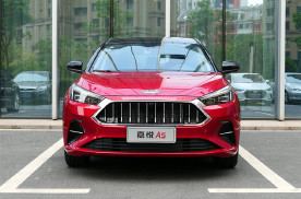 又一款国产轿车被认可,四轮独悬配1.5T发动机,已降至5万多