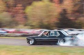 一台你可能没见过的V8 BMW