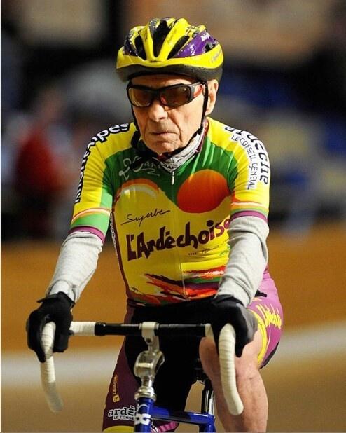 《【华宇登陆注册】入门级公路自行车推荐辐轮王土拨鼠全世界碳纤维自行车品牌排行榜》
