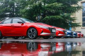 第七代伊兰特百公里油耗低至4.9L,10万级家轿选它不吃亏
