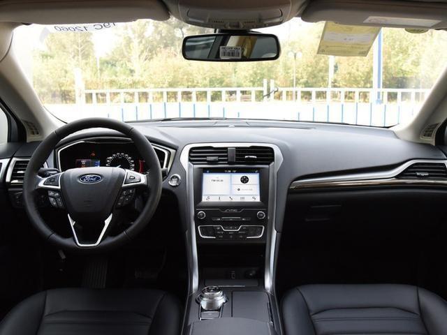 新款福特蒙迪欧迎来上市,配置升级,外观依旧年轻运动